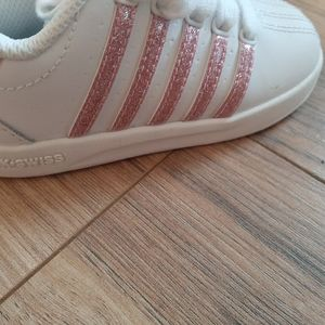 Shoes - K-Swiss